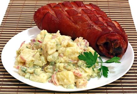 salata de cartofi cu ciolan afumat a la oktoberfest