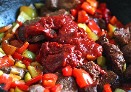 carne de vita  cu legume la gratar