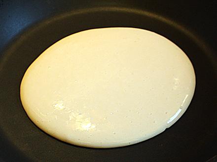 pancakes in tigaie