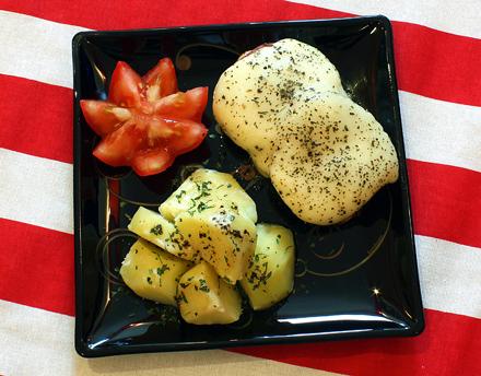cartofi natur, rosii, pui italian