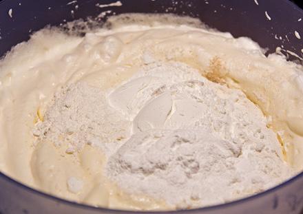 Ingrediente Reteta Tort cu Mandarine si Frisca