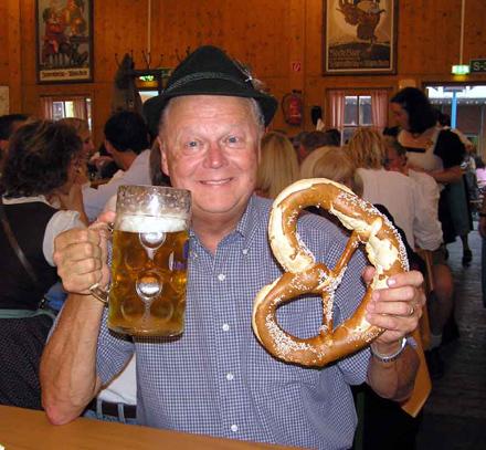 Covrig Bavarez si Halba de bere la 1 litru