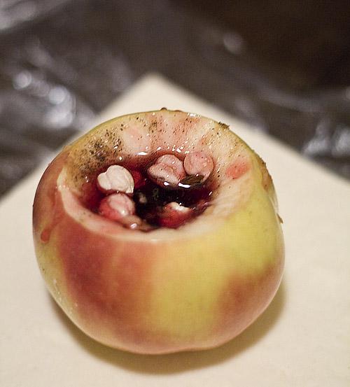 Papabun - mere umplute cu dulceata si alune de padure