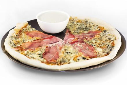 Reteta Pizza cu Prosciutto Crudo si Gorgonzola