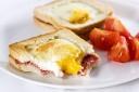 Sandwichuri cu Ou pentru Micul Dejun