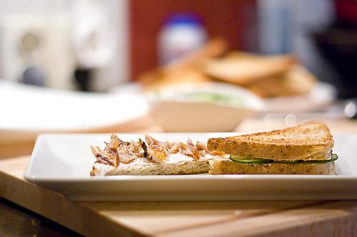 Sandwichuri cu peste afumat