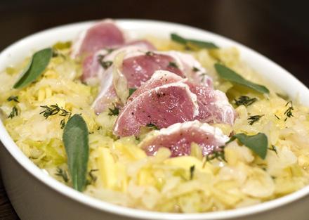 mancare de varza murata cu carne si cartofi