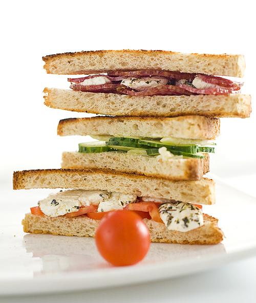 sandwichuri aperitiv
