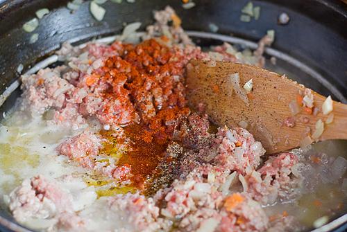 sos bolognese cu carne de porc si vita