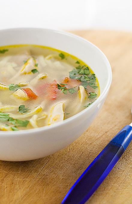 supa de pui cu taitei de casa deliciosi